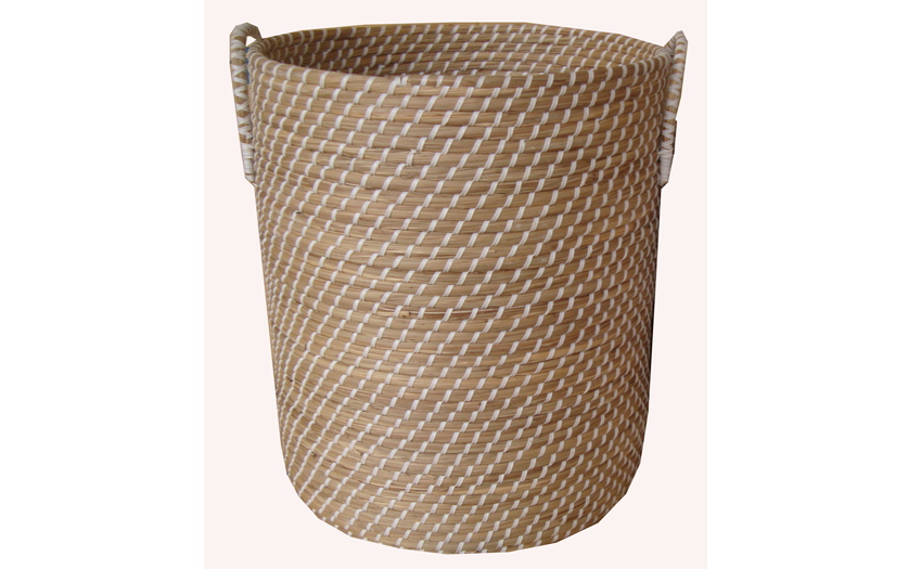 TT-160609- Round seagrass basket withh handle.