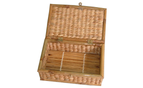 TT-142011 Water hyacinth trunk with lid, bamboo frame.