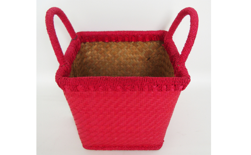 TT- 160356 Palm leaf basket, color as it is. W19 x H17/24