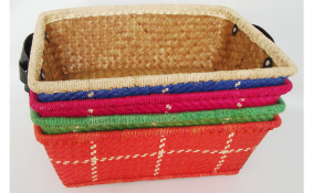 TT- 160358 Palm leaf basket, color as it is. 39 x 28 x H14