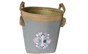TT-160709 Seagrass basket, pattern color as it is.