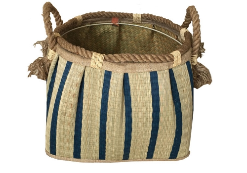 TT-160710 Seagrass basket, pattern color as it is.