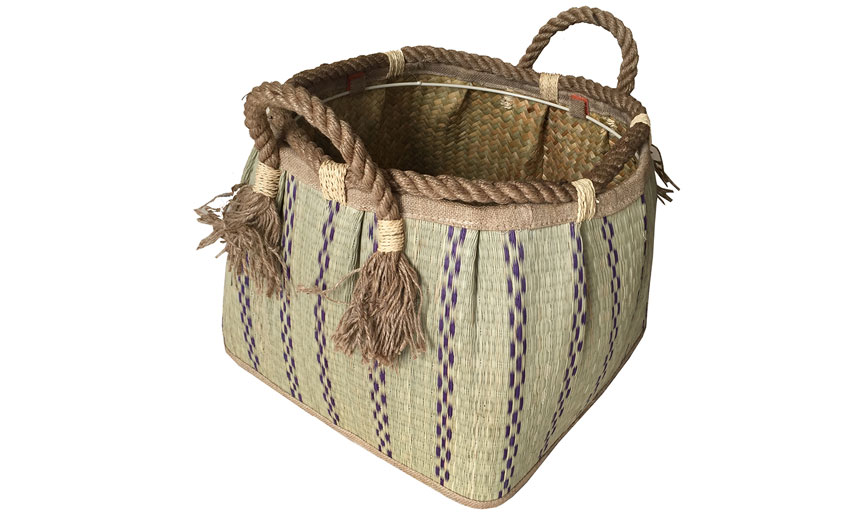 TT-160712 Seagrass basket, pattern color as it is.