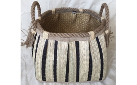 TT-160742 Seagrass basket, pattern color as it is