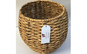 TT-190153 Water hyacinth basket.