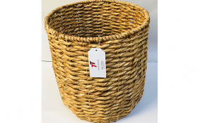 TT-190158 Water hyacinth basket.