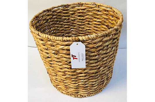 TT-190159 Water hyacinth basket.